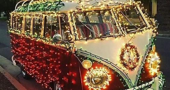 χριστουγεννιατικα φωτακια σε αυτοκινητο